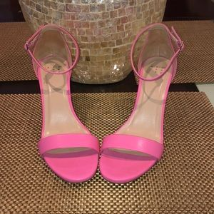 A new Day Pink Heels